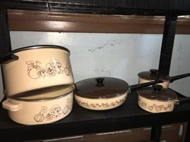 Vintage cookware! Be the envy of your friends with this complete set!