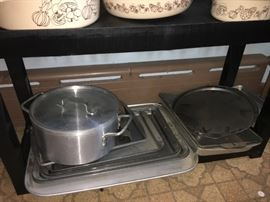 Love baking? Then you need more bakeware! Get it here!