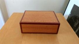 Hemes Box