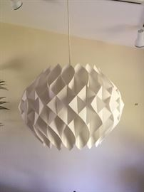 Wonderful Scandinavian Design pendant light! 40 years old and in great condition