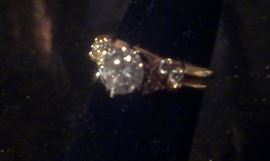 .87 ct round brilliant Diamond w 6 diamond side stones, 14kt yellow gold Tiffany Ring, come ASAP...only have one!!! (have appraisal to authenticate, Presidium diamond tested)