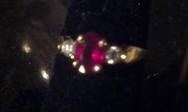 Oval Ruby Gemstone w 2 Diamond side stones 18kt yellow gold Ring, Presidium Gemstone & Diamond tested