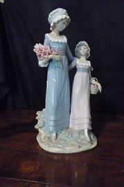 "Lladro #5013 ""Sisters with Flowers"". No Box"