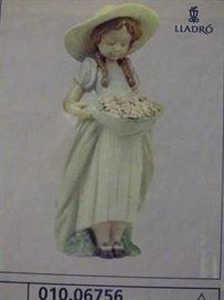 Lladro #6756 Bountiful Blossoms Box