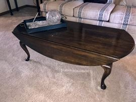 Queen Anne coffee table with fold up/down sides