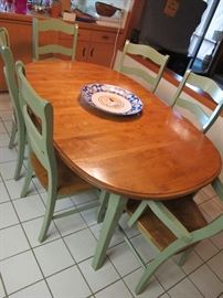 Kitchen table with 6 chairs and leaves