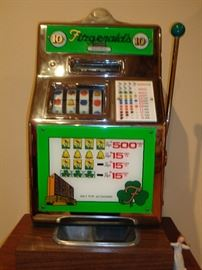 Fitzgeralds 10 cent slot machine