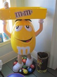 M & M store display
