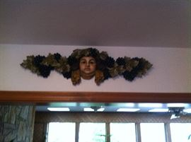 TOSCANA CHERUB WITH GRAPES WALL OR DOOR HANGING $25