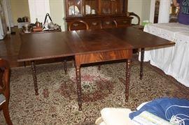 Gorgeous antique dropleaf/gateleg table