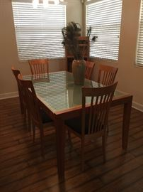 Italian made dining room set with 6 chairs