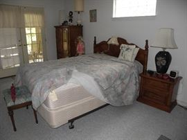 Nice bedroom set and very nice queen size mattress.  Note dressing bench