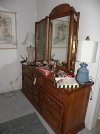 Dresser with bedroom suite, note triple mirror.  Cool lamps