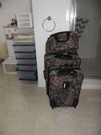 Nice set of tapestry luggage