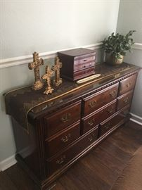 Traditional Dresser
