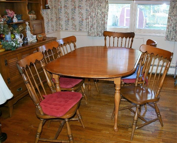 Cushman Dining Room Table w/3 Leaves, 6 Chairs
