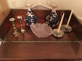 Hundreds of quality decorative items
