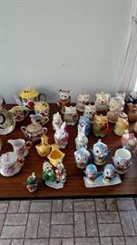 Creamers, tea set & cream & sugar bowls