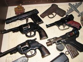 toy guns & pistols
