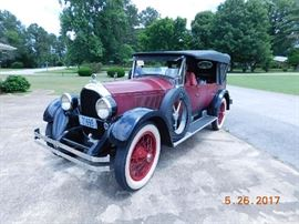 1923  Paige 7 passenger touring. Model 6-70, Wire wheels, new Lester tires. Strong runner.