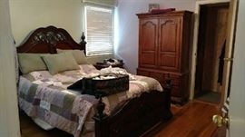 bedroom armour, Thomasville, full set for sale including queen headboard, 2 night stands and triple dresser and mirror