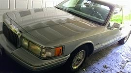 1993 Lincoln Town Car Cartier Edition!  158K miles, runs like a dang dream!  Come and check it out!
