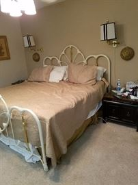 Queen size charming metal bed