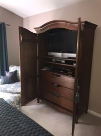 LARGE WOODEN WARDROBE WITH DRAWERS