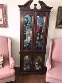 EARLY AMERICAN CHERRY WOOD SLIM GLASS CURIO