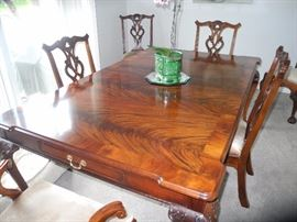 Henredon Tiger Mahogany table/chairs/two leaves/pads, great condition, purchased from Marshall Fields.