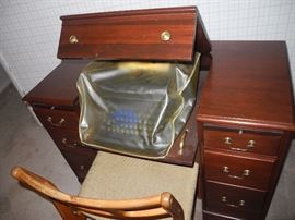 Desk with open top for typewriter - antique typewriter