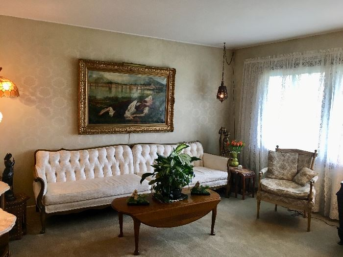French Provincial living room sofa in perfect shape PAINTING NOT FOR SALE