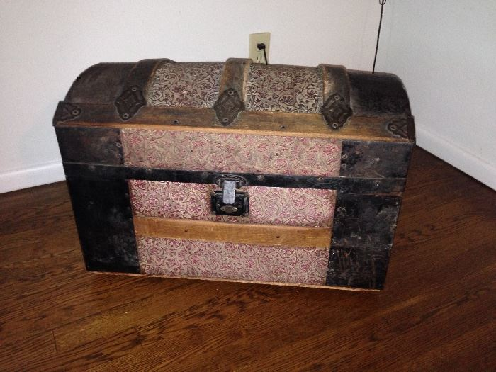 Small Dome Top Trunk