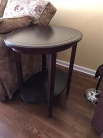 A PAIR OF RAYMOUR & FLANIGAN SIDE TABLES - 150 FOR PAIR