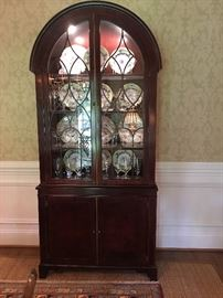 Baker Mahogany lighted Charleston collection bookcase/china cabinet
