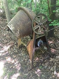 Cement mixer used to construct Discovery Place in Charlotte