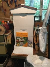 Bee keeper suit, house and booklets