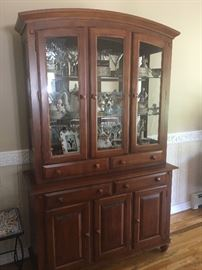 Dining room set , collectables