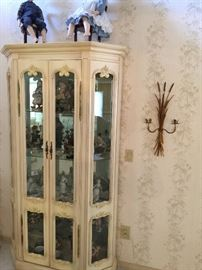 Beautiful French Provincial Curio Cabinet, lighted