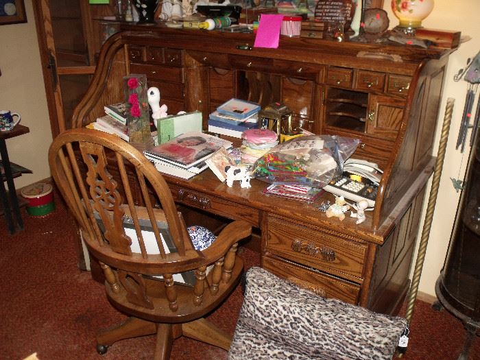 Oak roll top desk with chair! Perfect size!