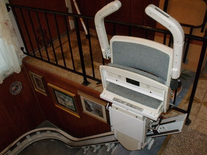 Stair lift (works!)