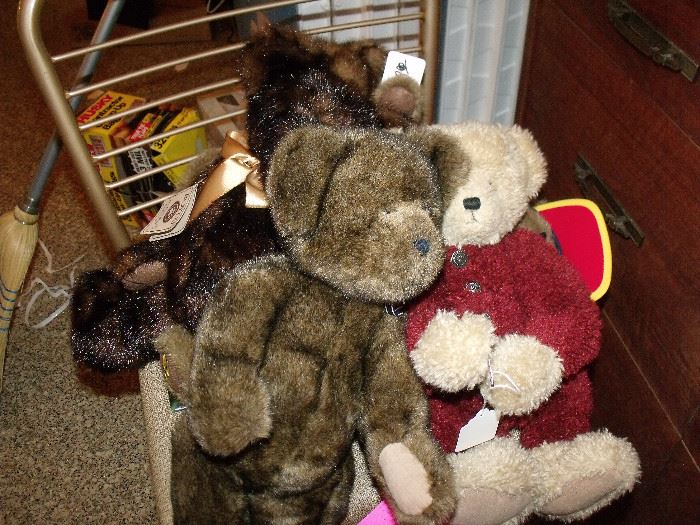 Boyd's and Steiff bear