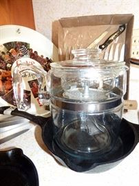 Rare Pyrex Glass 9 Cup Stove Top Perculator.  Has small chip in lid