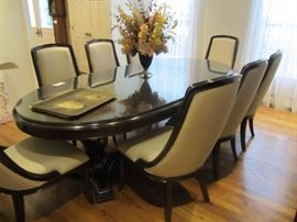 STANLEY OVAL DINING ROOM WITH 8 CHAIRS AND PADS