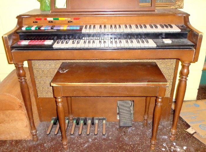 Conn Organ w/Bench