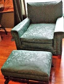Upholstered Arm Chair w/Ottoman