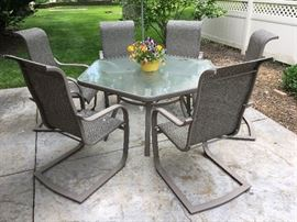 Outdoor Patio w/ 6 chairs and glass table
