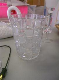 Large ice bucket