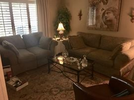 Living room furniture, coffee table & rug