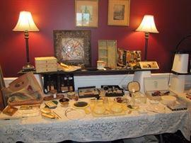 Vintage vanity accessory table